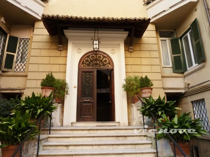 Roma parioli appartamento vienove for Parioli affitto roma