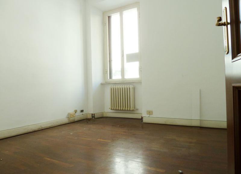Roma affitto ufficio studio colle oppio colosseo labicano for Affitto ufficio roma trieste salario