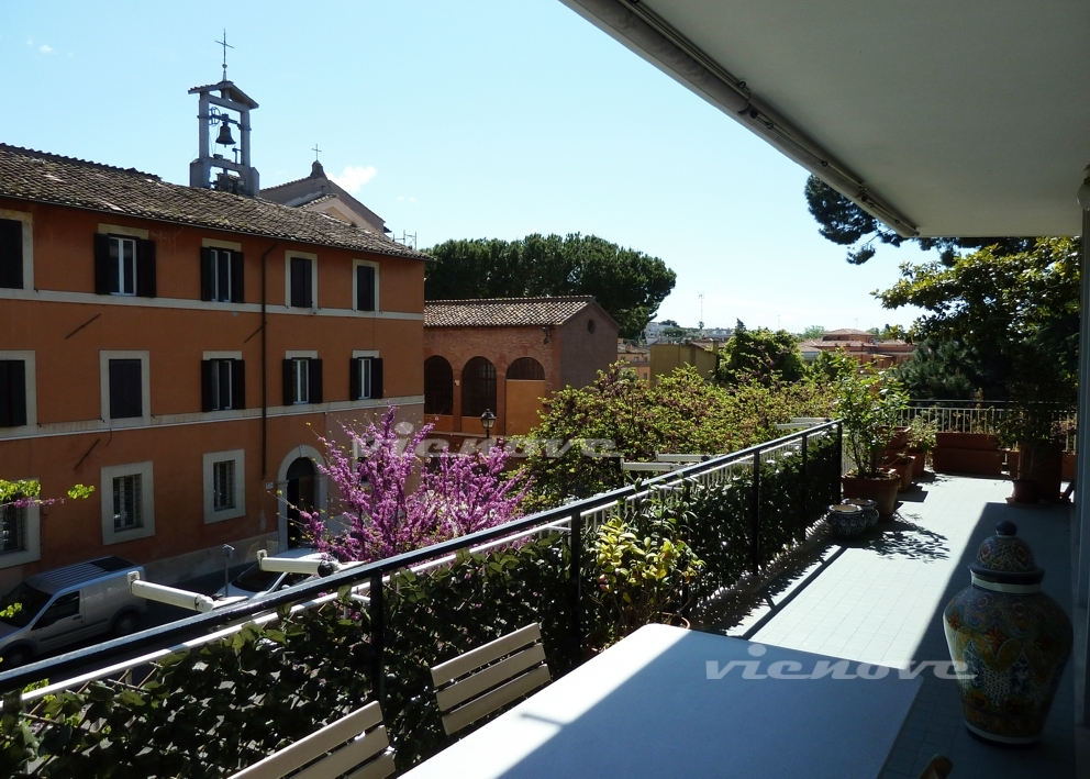Roma aventino santa prisca appartamento for Aventino immobiliare