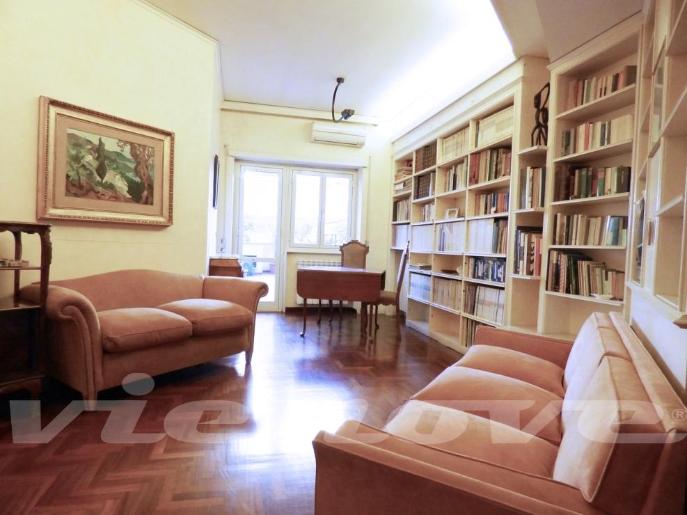 Roma - Conca d\'Oro: Appartamento con terrazzo - Vienove